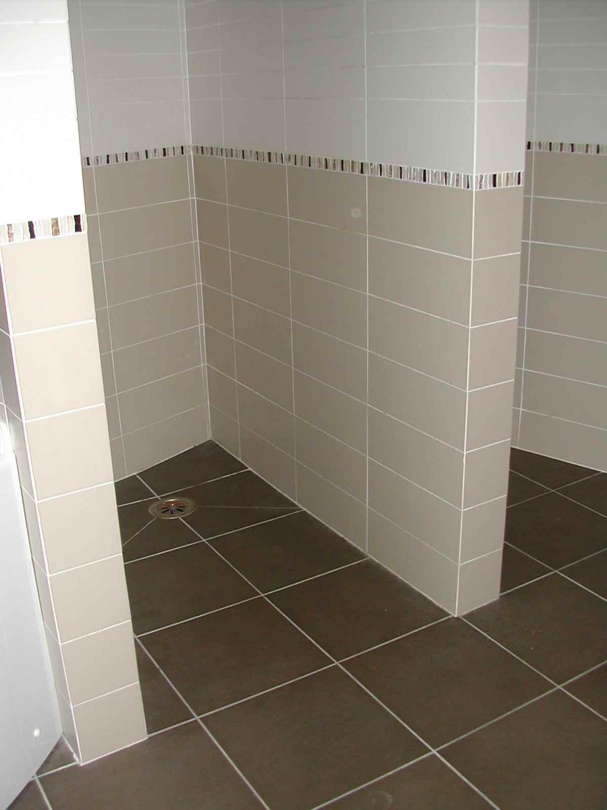 doccia a pavimento(Sciuto)